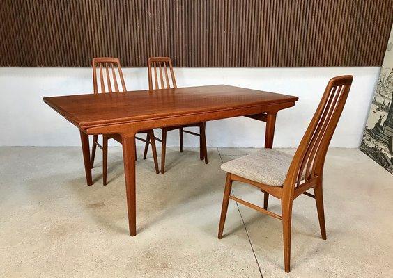 table de salle a manger en teck par johannes andersen pour uldum mobelfabrik annees 60