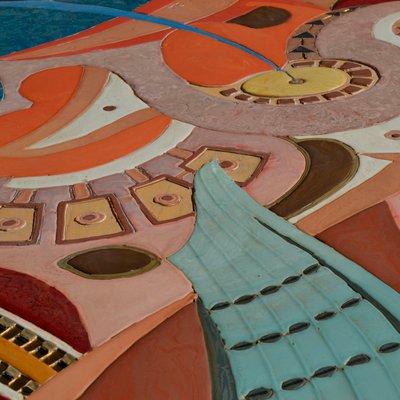 tableau mural art deco scolchola bas relief polychrome faite a la main de cupioli