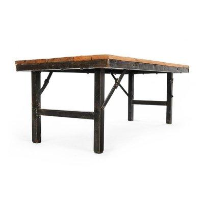 table basse pliante avec plateau en bois et pieds en fer