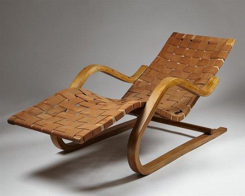 chaise longue modele 39 par alvar aalto pour artek finlande 1930s