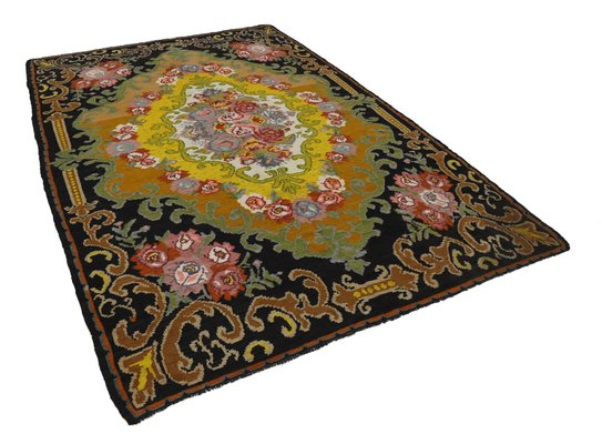 tapis kilim rose vintage en laine noue a la main noir