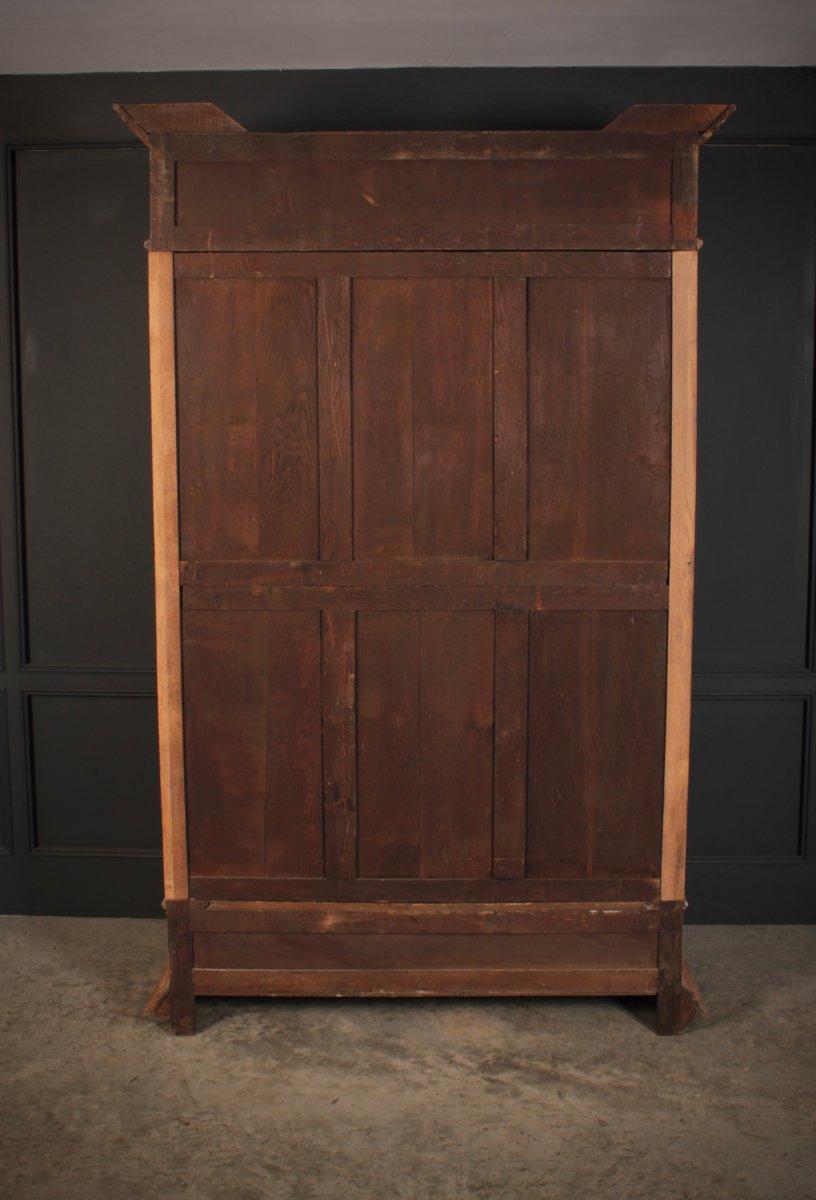 meuble de rangement antique vernis en chene blanchi