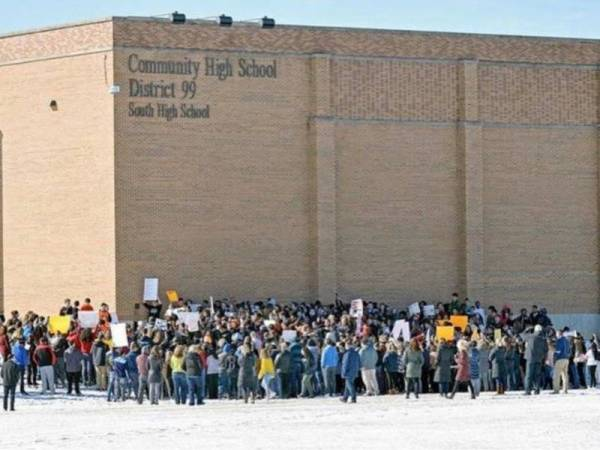 1,000 Detentions In Downers Grove Student Walkout ...