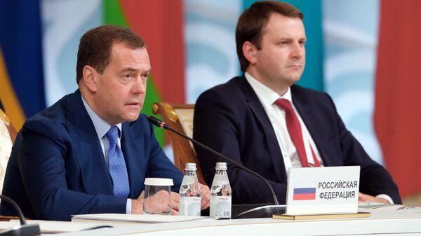 Медведев представил доказательства поставок санкционки через Белоруссию