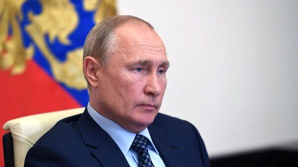 Путин: дисциплина на сборах команд должна быть на высшем уровне