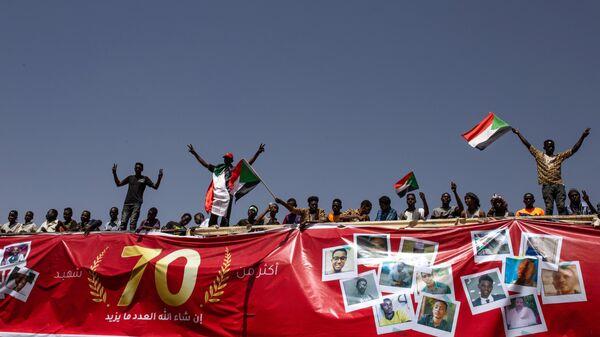 Переходное правительство Судана и повстанцы подписали мирный договор