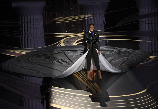 Дженнифер Хадсон на церемонии вручения премии Оскар