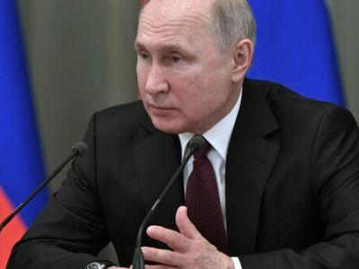 Власти не будут снижать планку по нацпроектам, заявил Путин