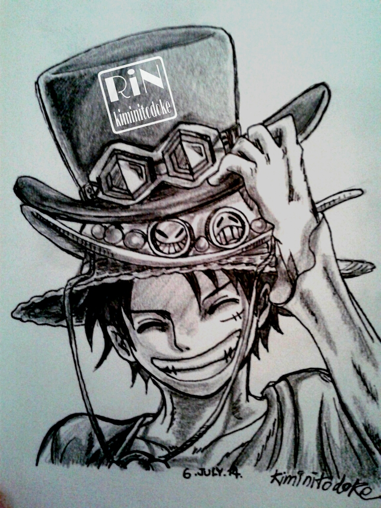 Luffy's left hand doesn't look like luffy. Onepiece Drawing Luffy Anyone Image By Kiminitodoke