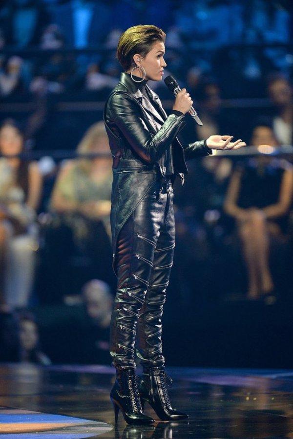 Photos : MTV EMA 2015 : Ruby Rose, présentatrice enflammée ...