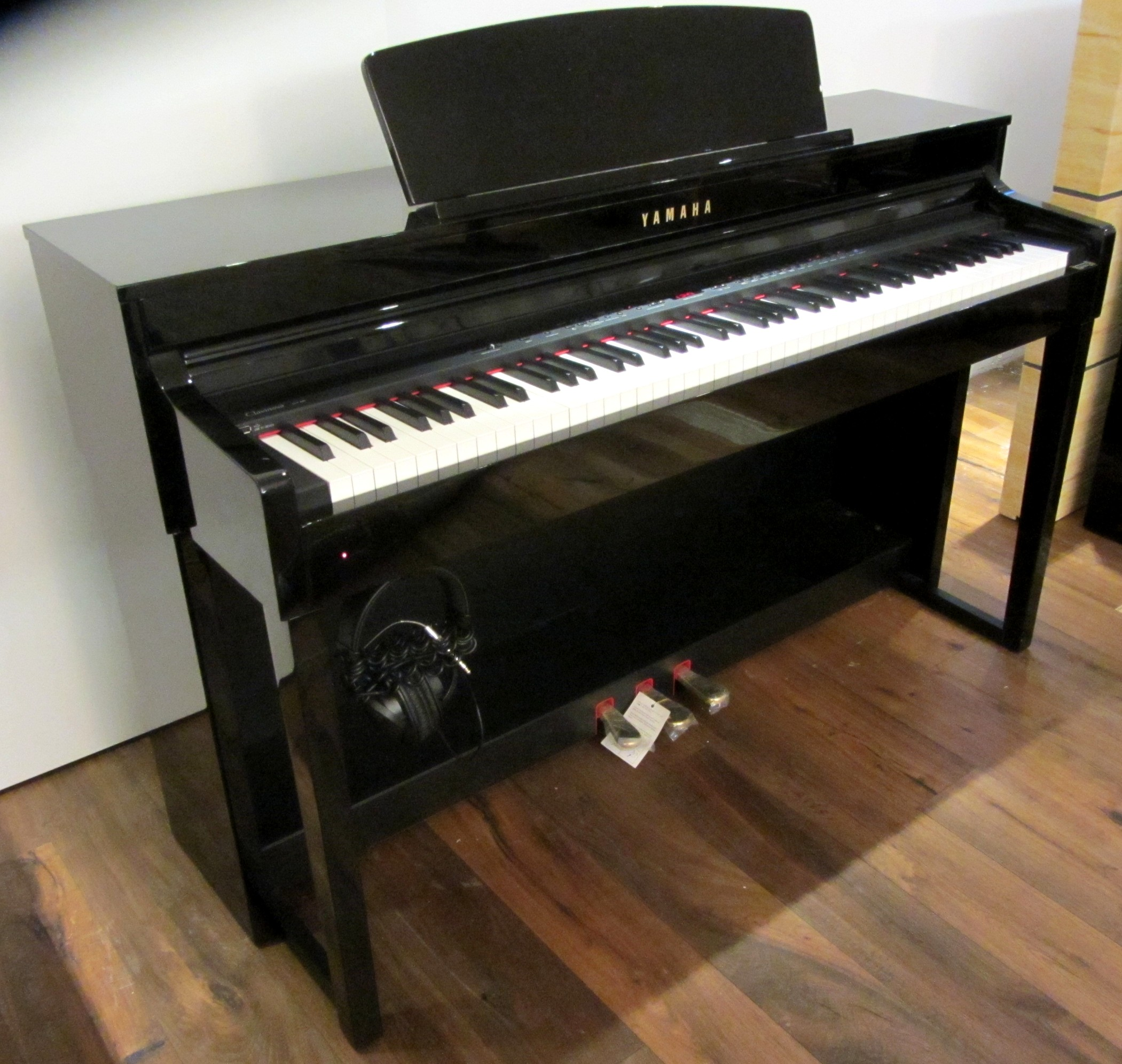 Types Electronic Pianos