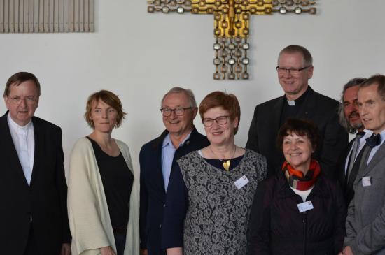 Neuer Caritasrat mit geistlichem Begleiter und Personalreferent Bonekamp
