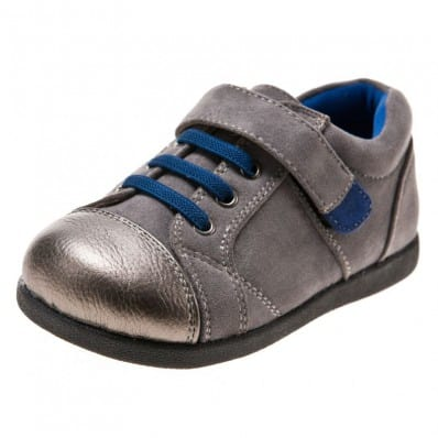 http://cdn3.chausson-de-bebe.com/3703-thickbox_default/little-blue-lamb-chaussures-semelle-souple-baskets-gris-et-argente.jpg
