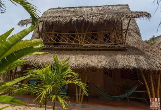 Những gian nhà tranh ở Jungle Beach.