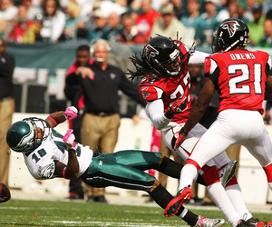 PHILADELPHIA - OCTOBER 17:  DeSean Jackson #10 of the Philadelphia Eagles is laid out by Dunta Robinson #23 of the Atlanta Falcons during their game at Lincoln Financial Field on October 17 2010 in Philadelphia Pennsylvania.  Both players were injured on the play and had to be helped off the field.  (Photo by Al Bello/Getty Images)