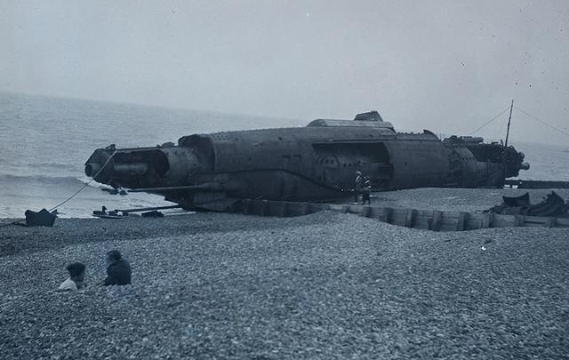 german u-boat (whatsthatpicture flickr)