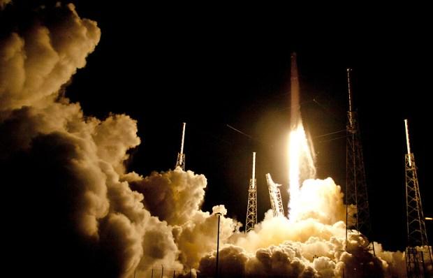 Маск рассказал о шансах на посадку второй ступени Falcon Heavy
