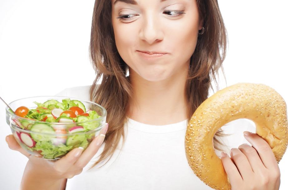 Resultat d'imatges de gente disgustada con la comida