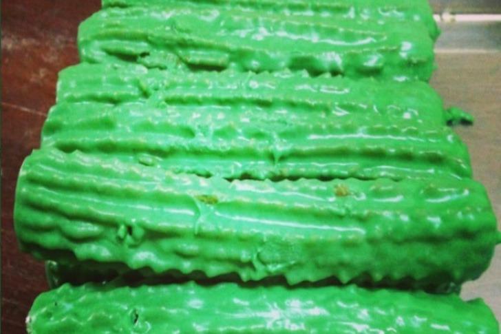 churros menta0006 - Crearon churros de menta rellenos con una pasta de limón. Una refrescante alternativa a la receta