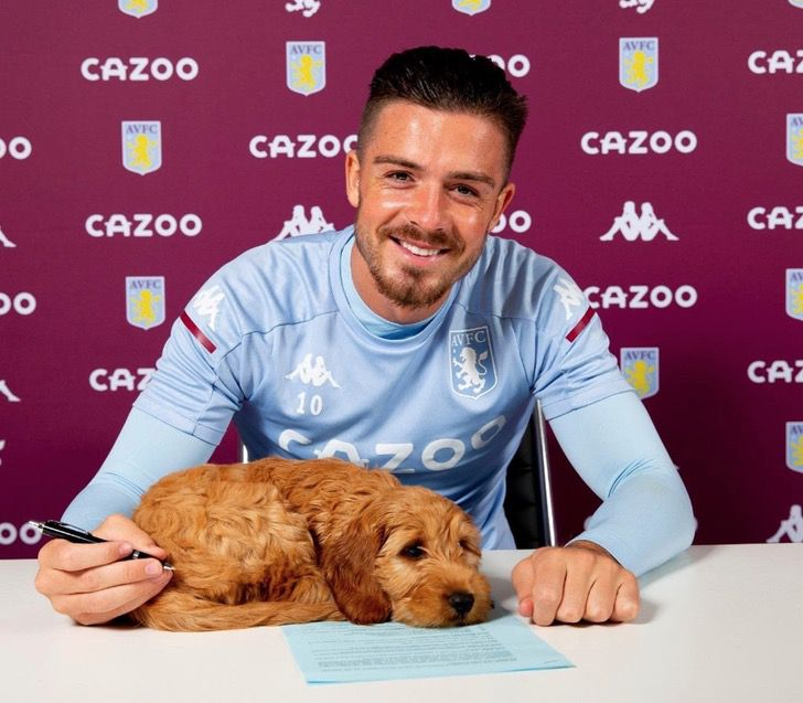 Captura de Pantalla 2021 02 04 a las 13.40.51 - Futbolista llevó a su perro para la firma de su contrato. Está con él en los momentos especiales