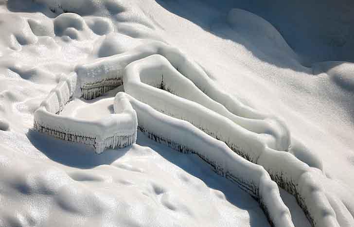 cataratas del niagara estados unidos005 1 - El frío sigue castigando sin piedad a Estados Unidos. Ahora se congelaron las cataratas del Niágara