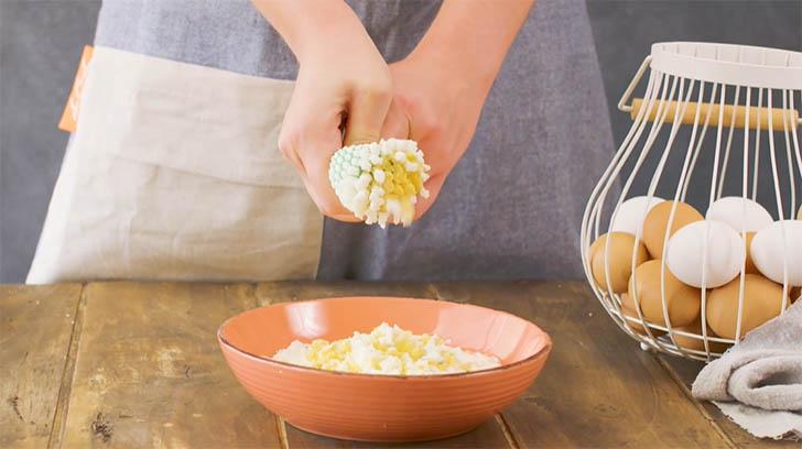 cinco recetas huevo023 - 5 recetas con trucos para lucirse cocinando huevos de forma entretenida y original