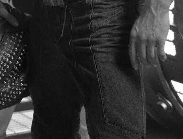 chris hemsworth brazos8 - Chris Hemsworth publicó una foto presumiendo su brazo tan musculoso que creemos que no es humano