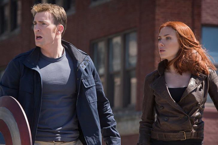 scarlett chris evans amigos0001 - Scarlett Johansson y Chris Evans son mejores amigos en la vida real. Se conocieron antes de la fama