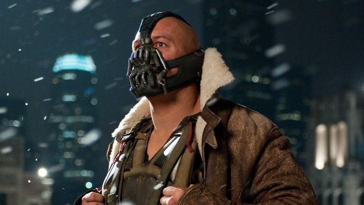 "batman warner bane mascara dccomic dolor pelicula0001 - Un recuerdo del dolor: Revelan lo que llevó a Bane a usar máscara en ""Batman: The Dark Knight Rises"""