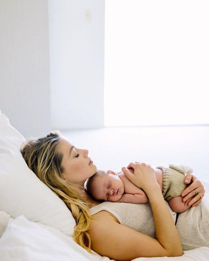 famosos nuevo hijo8 - 17 fotos de famosos luciendo completamente felices después de recibir a su primer bebé