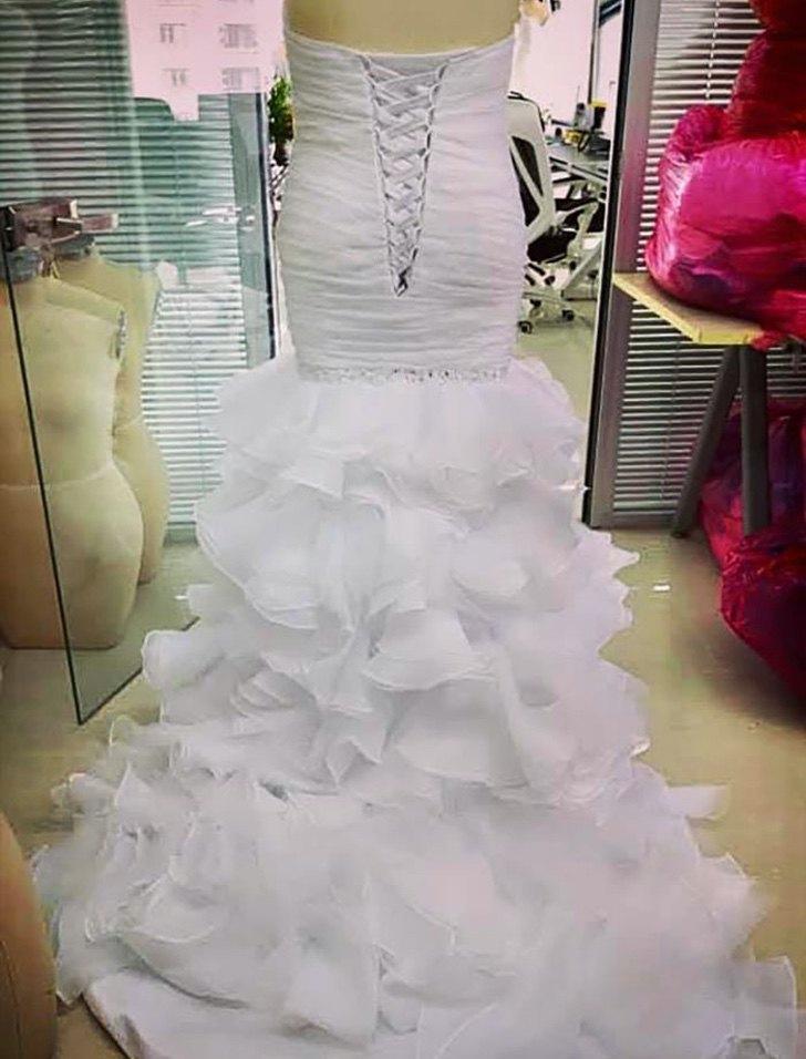 """novia vestido al reves2 - Novia reclama porque su vestido """"no es el que compró"""". Se lo había puesto al revés"""