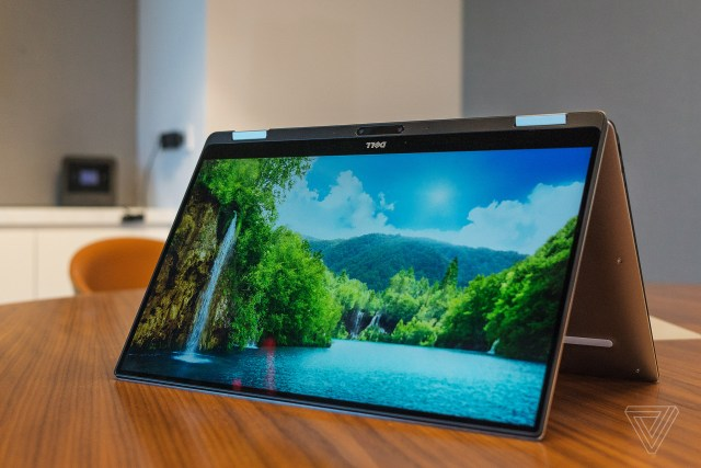 DELL XPS 13 2 in 1 convertible at CES 2017