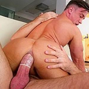 Alexander Volkov  Alex Mecum in Boyfriendвs Cumming Home - GayRoom