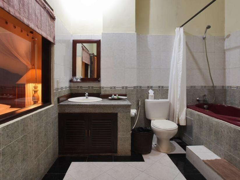 Maxi Hotel & Spa Bali - Bathroom