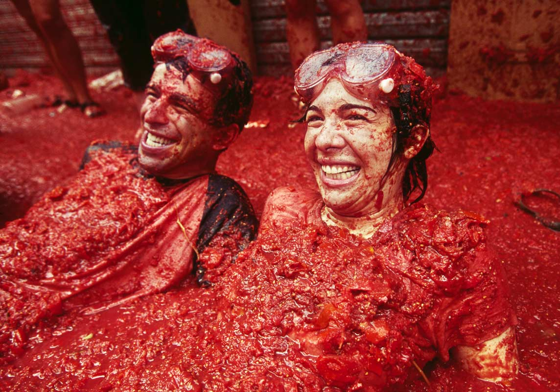Tomatoes Take Center Stage At Spain S La Tomatina Festival