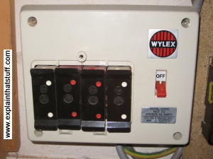 How Do Surge Protectors And Fuses Work