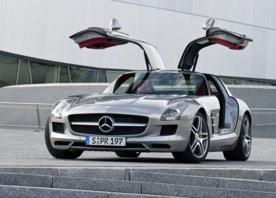 Какви автомобили има Лионел Меси?