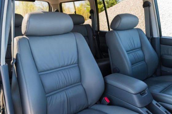 27-годишният Toyota Land Cruiser по-скъп от новия