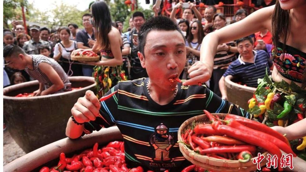 One likes it hot: Chinese man 'strikes gold' after eating ...