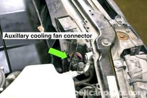 BMW E46 Cooling Fan Replacement | BMW 325i (20012005), BMW 325Xi (20012005), BMW 325Ci (2001