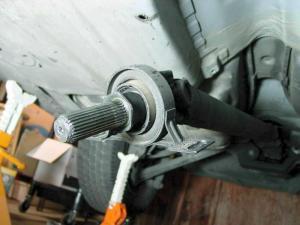 BMW E36 3Series Driveshaft Bearing Replacement (1992  1999) | Pelican Parts DIY Maintenance