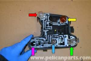 Audi A4 B6 Tail Light Bulbs and Assembly Replacement (2002