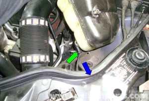 MercedesBenz W211 Engine Coolant Reservoir Replacement (20032009) E320, E500, E55 | Pelican