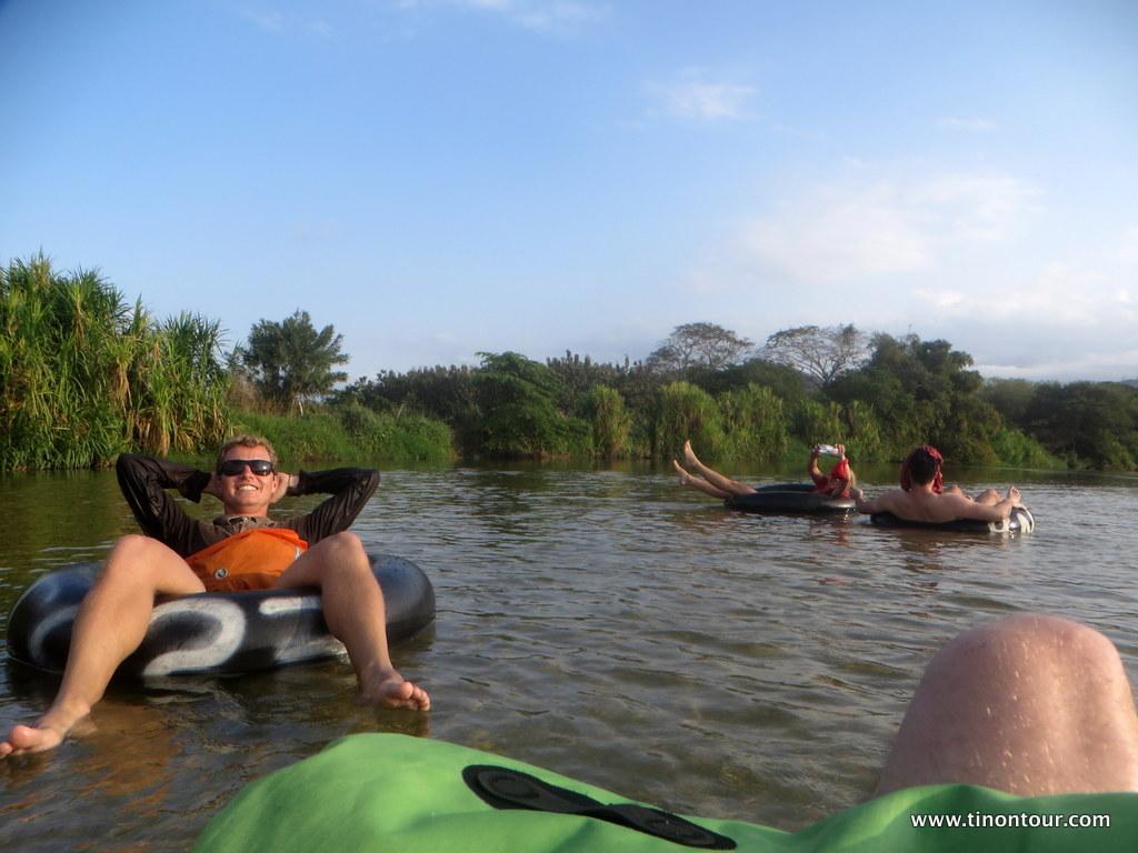 Tubing auf dem Palomino-River ist verdammt entspannend … Sonnenschutz aber nicht vergessen!