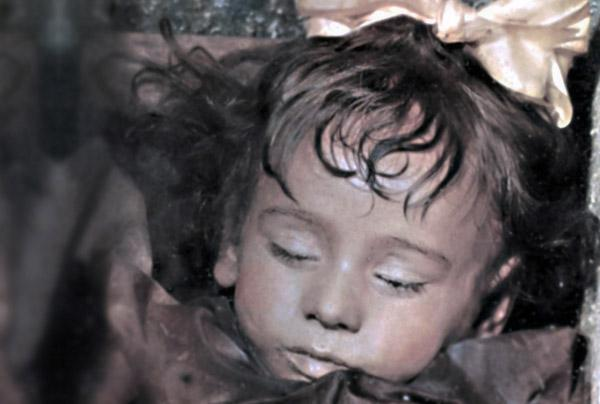 1 - She lived 100 years ago, and they call her «the world's most beautiful mummy». Her name was Rosalia Lombardo