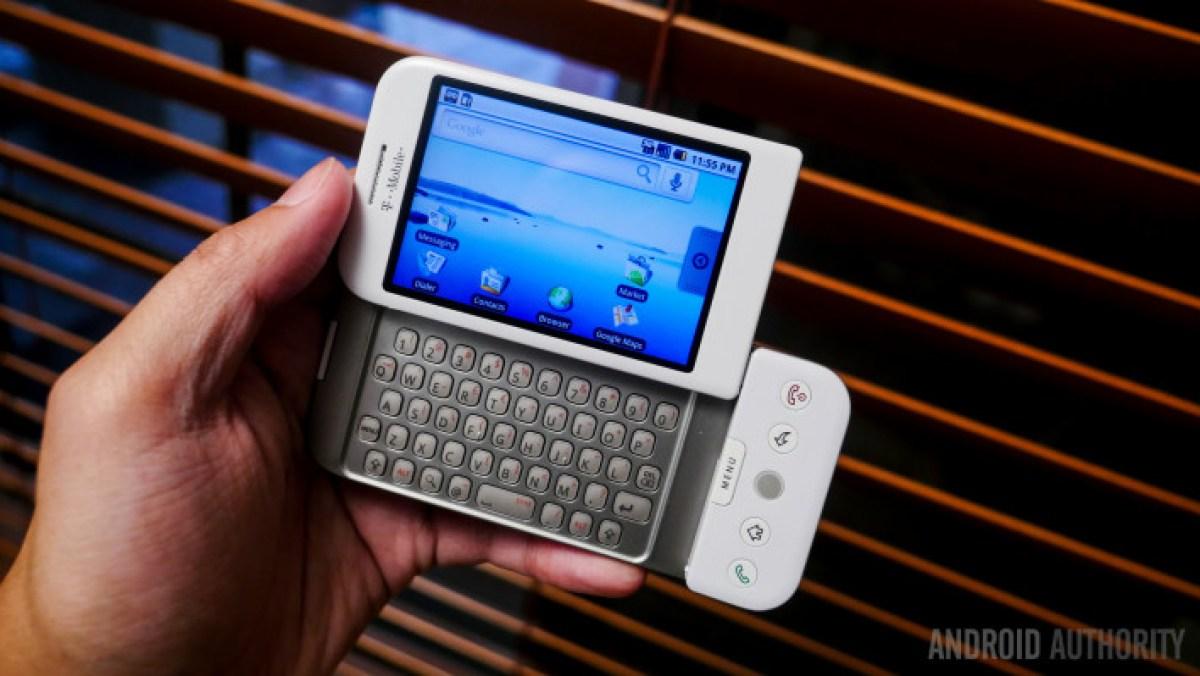 Первый Android-телефон T-Mobile G1 / HTC Dream