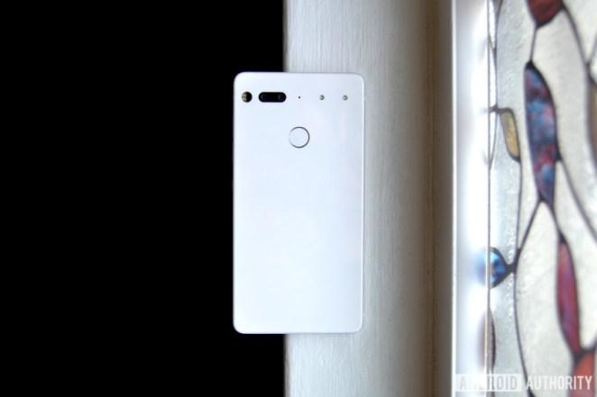 essential phone 2018