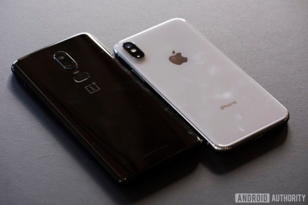 iPhone X and OnePlus 6 side by side