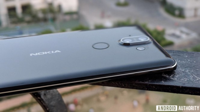 Nokia 8 Sirocco review - camera bump, fingerprint scanner