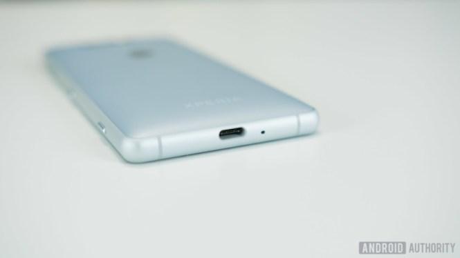 Sony Xperia XZ2 Compact USB Type-C port